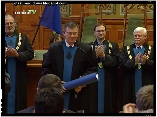 Trădarea lui Mihai Răzvan Ungureanu răsplătită de catre unguri cu titlul de Doctor Honoris Causa de Universitatea din Pecs, sursa imagine: youtube.com