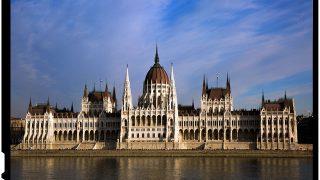 Viktor Orban a amenintat ca va inchide ONG-urile care acorda suport logistic si financiar solicitantilor de azil in Ungaria