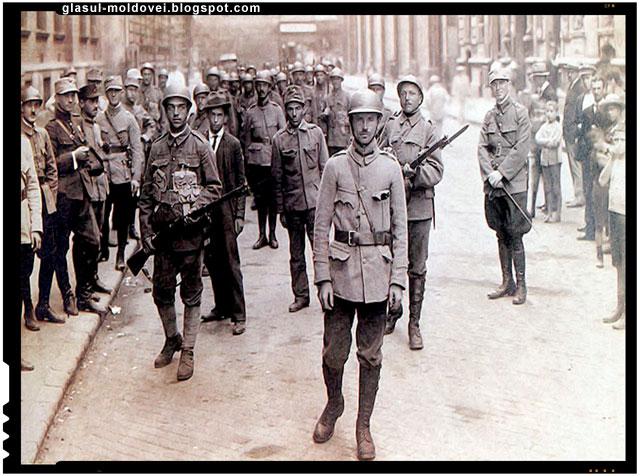 Cum au pus soldatii romani opinca pe cladirea parlamentului din Budapesta 1919