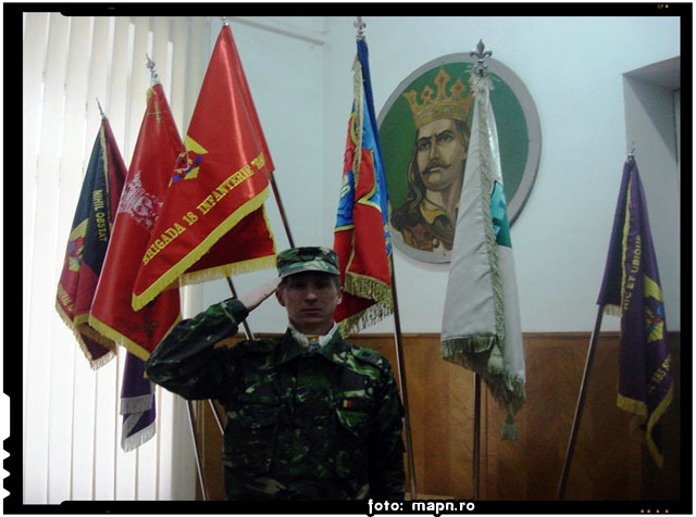 Um soldat cu simt civic. Felicitari caporalului Kiş Gyula pentru exemplul civic dat!, foto: mapn.ro