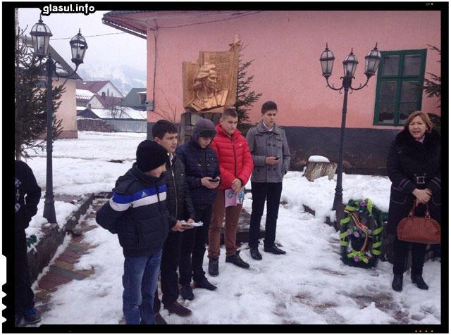 Biserica Alba, Ucraina, Sarabtoarirea a 165 de nai de la nasterea lui Mihai Eminescu , sursa imagine: facebook.com/pages/Biserica-Alba-Ucraina/399395086754799