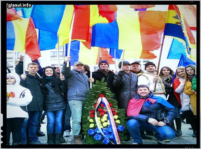 Un grup de basarabeni au sarbatorit ziua Unirii Principatelor in capitala Moldovei!