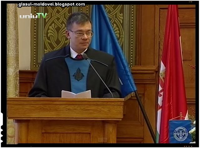 Trădarea lui Mihai Răzvan Ungureanu răsplătită de catre unguri cu titlul de Doctor Honoris Causa de la Universitatea din Pecs, sursa imagine: youtube.com