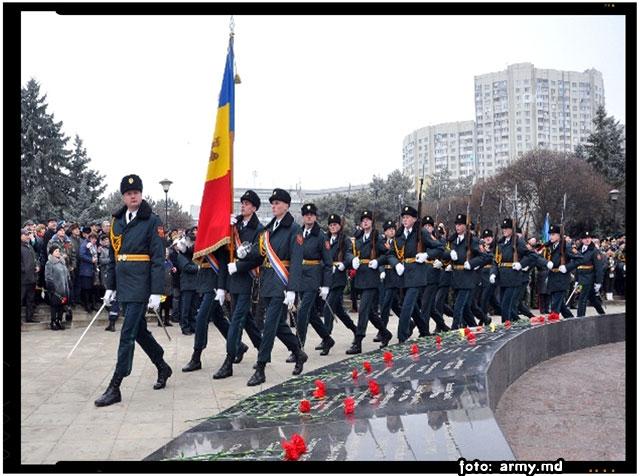 Militarii moldoveni i-au comemorat pe ostașii căzuți în Afganistan, foto: army.md
