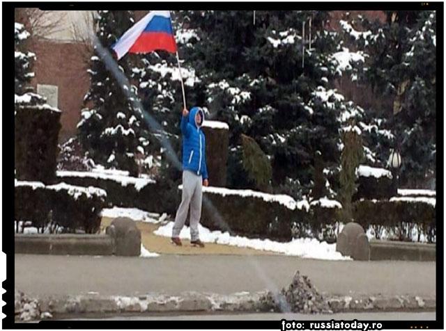 La Târgu Mureș maghiarii cer autonomie cu steagul Rusiei in mana?, foto: russiatoday.ro