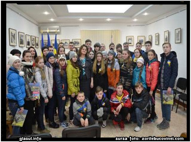 33 DE ELEVI DIN LUGANSK SE VOR ODIHNI IN ROMANIA, sursa foto: zorilebucovinei.com