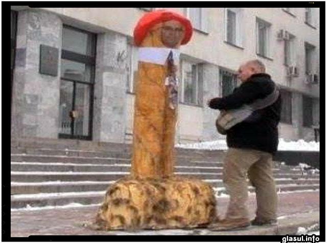 Pentru creativitate, activism artistic, Anatol Matasaru taxat cu 2 ani de inchisoare cu suspedare pentru o ..., foto- curaj.net