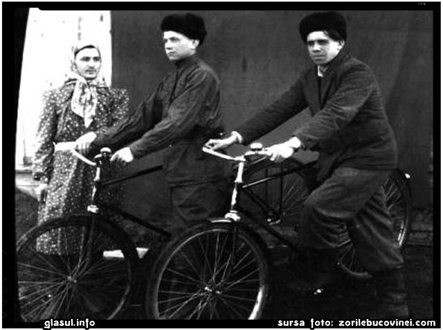 fratii Ion si Stefan cu Petru Nistireac, in Siberia, sursa foto: zorilebucovinei.com