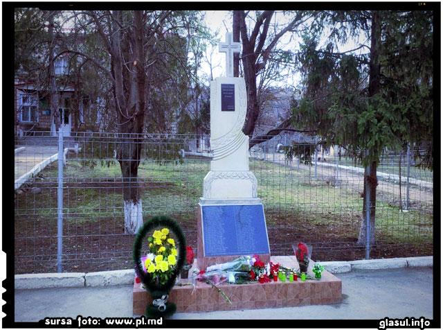 Un memorial dedicat celor deportati a fost inaltat la Podgoreni, Orhei, sursa foto: www.pl.md