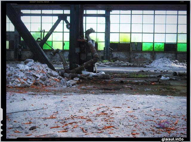 Cea mai neagra perioada din istoria Romaniei - Peisaj industrial dinr-un combinat siderurgic romanesc