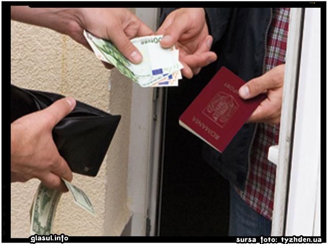 """Ucrainenii vor sa """"evadeze"""" in Romania. Pentru romanii fara bani din Ucraina cetatenia romana este un vis greu de realizat., sursa foto: tyzhden.ua"""