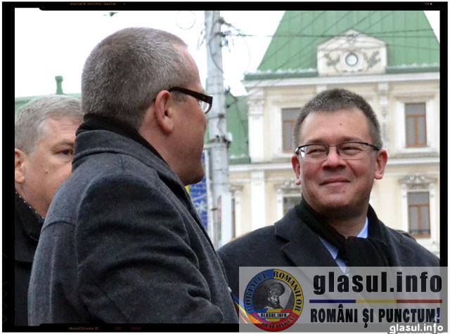 Reactia lui Mihai Razvan Ungureanu fata de sarbatorirea caderii guvernului MRU de catre cei de la PSD
