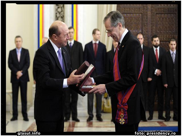 Basescu, acelasi gen de mizerie cu origini cominterniste ca si Iliescu, foto: presidency.ro