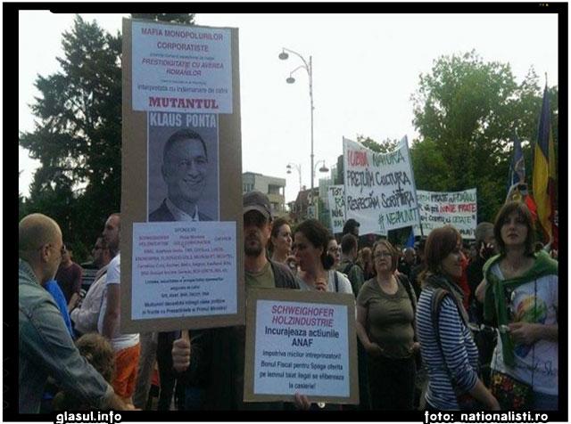 BOMBA, MARE BOMBA! La PROTESTUL din Bucuresti s-a SCANDAT DOAR ANTI-Iohannis, NU si ANTI-Ponta!, foto: nationalisti.ro