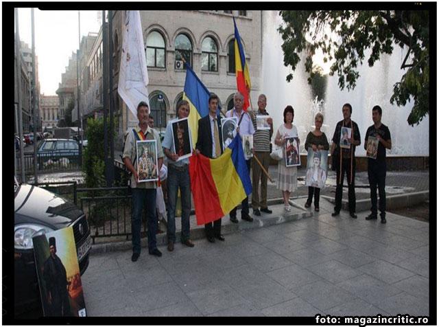 "Laurian Stanchescu: ""Onor la Tricolor"" şi ""Onor Eroilor Neamului""!, foto: magazincritic.ro"