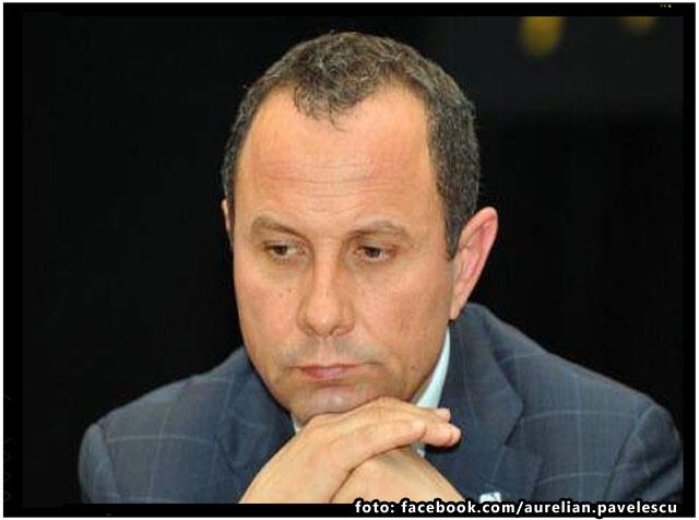 """Aurelian Pavelescu: """"Falimentul dreptei, in forma PNL?"""", foto: facebook.com/aurelian.pavelescu"""