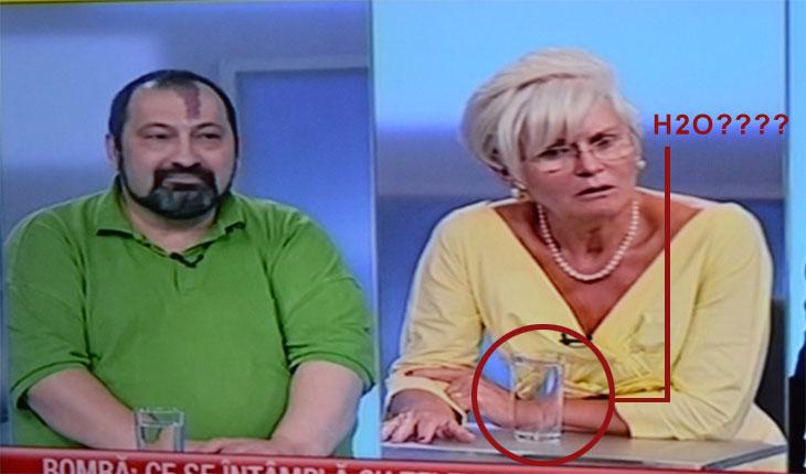 Romania TV a incercat s-o otraveasca pe Monica Tatoiu cu apa!