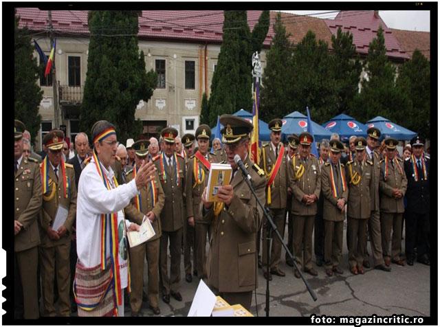 AM SCOS SABIA PENTRU NAŢIUNEA ROMÂNĂ!, foto: magazincritic.ro