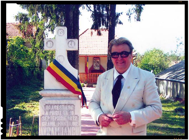 S-a stins din viata Corneliu Vadim Tudor dupa ce a suferit un infarct, foto: facebook.com/corneliu.vadim.tudor/