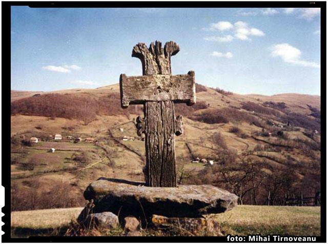 E-naltă până la Cer, Crucea Ta, brav Român, foto: Mihai Tirnoveanu