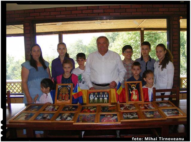 """Tabăra Acţiunii """"Români pentru Români"""" de la Mănăstirea Sfinţii Împăraţi Constantin şi Elena (din eroicul Oituz), foto: Mihai Tirnoveanu"""