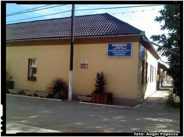 Primaria din Zimandul Nou judetul Arad in ilegalitate! Refuza sa arboreze pe institutie drapelul Romaniei!, foto: Angel Popescu