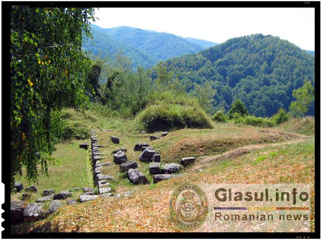 Ne sunt vandalizate cetatile dacice din Romania! Situl cetatii dacice Costesti-Cetatuie a fost vandalizat!