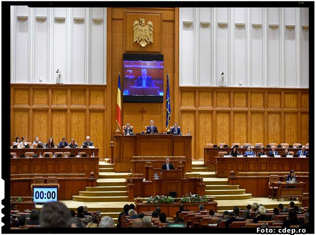 Parlamentul Romaniei trebuie numaidecat dizolvat. E plin de hoti si de prosti, sau de hoti prosti!, foto: cdep.ro