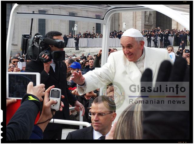 Papa vrea sa schimbe data cand sarbatorim Craciunul?