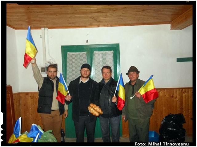 Taranii din Moldova alaturi de fratii lor din Covasna. Români pentru Români, foto: Mihai Tirnoveanu