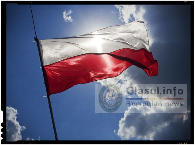 In Polonia, odata cu demisia guvernului si-au dat demisia si sefii serviciilor secrete. In Romania, odata cu demisia guvernului, sefii serviciilor secrete au preluat ei Guvernul!