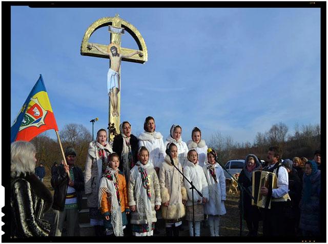 O TROITA IN MEMORIA HOLOCAUSTULUI ROMANESC DE LA LUNCA, sursa imagine: zorilebucovinei.com