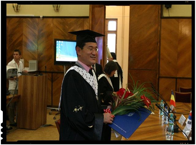 prof.dr. Jeong o Park, de la Hankuk University of Foreign Studies, Seoul, director al Departamentului de Studii Romanesti si Profesor de Onoare al UAIC, foto: uaic.ro