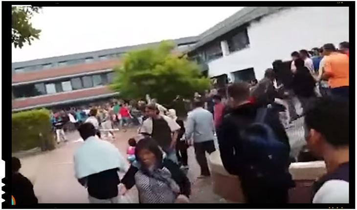 Germania - Zeci de imigranti s-au batut cu fortele de ordine dupa ce au hartuit trei adolescente