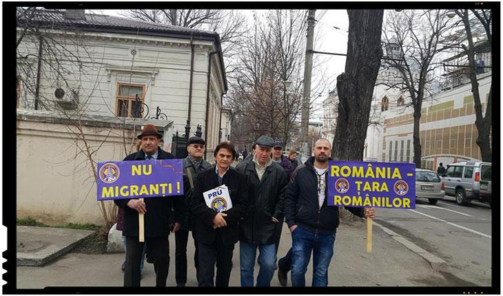 Membrii PRU Galati au protestat impotriva venirii imigrantilor in Romania