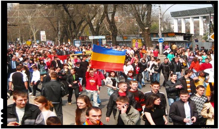 Chișinău 7 aprilie 2009: Un exercitiu de libertate al tinerilor romani din Basarabia, foto: captura Youtube