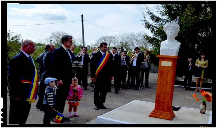 Inca un implant de romanism in Republica Moldova: inaugurarea bustului Reginei Maria in raionul Soroca