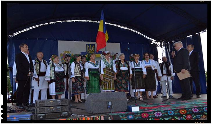 """FESTIVALUL DE FOLCLOR ROMÂNESC """"LA IZVOARE"""", Foto: ZorileBucovinei.com"""