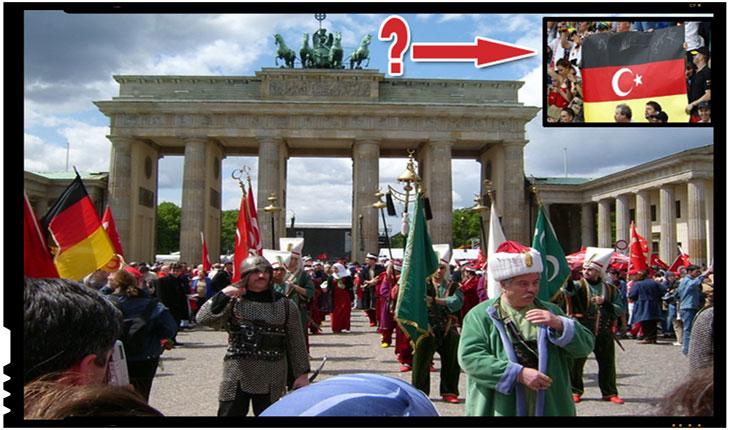 Moartea lenta a civilizatiei occidentale. Foto: Procesiunea ienicerilor prin poarta Brandenburger, de Ziua Turcilor