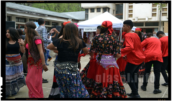 Tiganii din Romania pregatesc proteste in Germania. Ei vor sa ceara germanilor compensatii