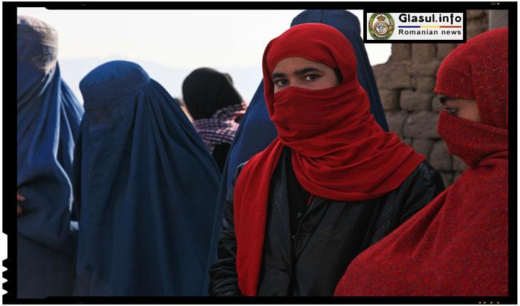 Genial! Cum le-a scapat Ataturk de burqa pe femeile din Turcia