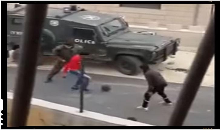 Israel: Un clip video exceptional dovedeste ca la nivel strict uman conflictul israeliano-palestinian poate fi transat si altfel. Meci de fotbal improvizat intre soldatii israelieni si copii palestinieni.