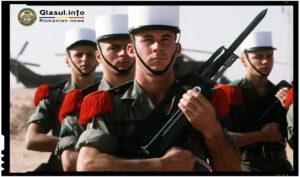 O trupa multinationala din Legiunea Straina a cântat Treceți Batalioane romane Carpații