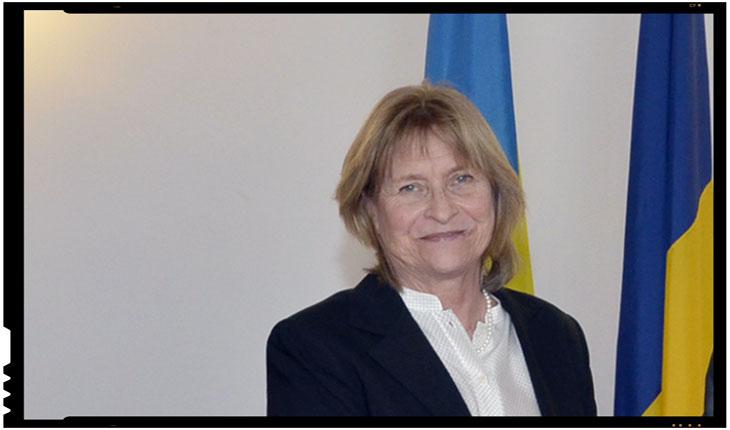 Anne Lindahl Kenny, ambasadorul Suediei, invitata sa incerce mamaliga romaneasca de la Valea Seacă, Foto: mae.ro