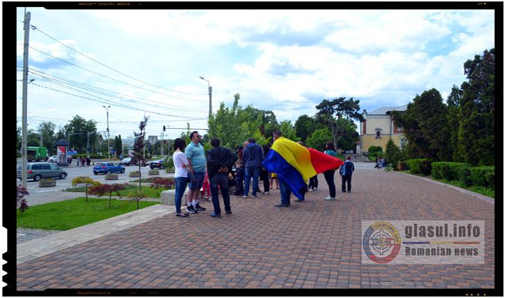 Iesenii au manifestat in semn de solidaritate cu situatia doctoriței Camelia Smicala