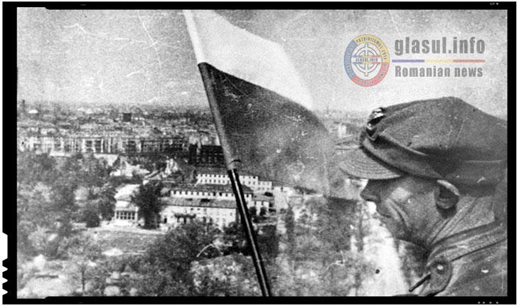 2 mai 1945 - Steagul Poloniei fluturand pe o cladire germana din Berlin