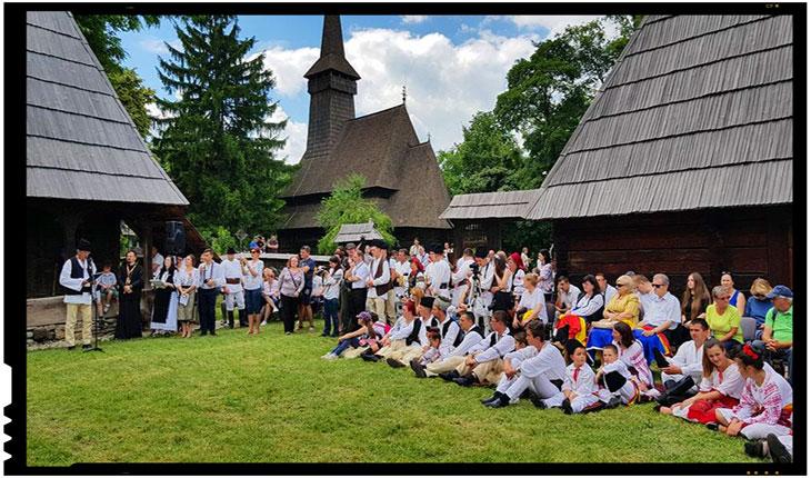 Angajatul de la Muzeul Satului cu alergie la tricolor a fost sanctionat, Foto: facebook.com/preotsebastian.sabareni