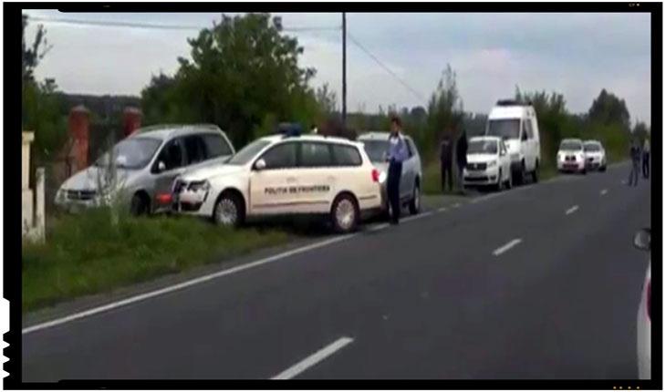 Au inceput! Cel putin doua persoane ranite dupa ce s-au tras focuri de arma pentru a opri o masina cu migranti ce a spart bariera politiei, Foto: politiadefrontiera.ro