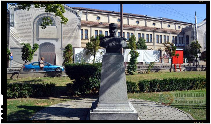 Clipe emotionante cu ambasadorul Frantei la statuia generalului Berthelot de la IASI, Foto: Fandel Mihai