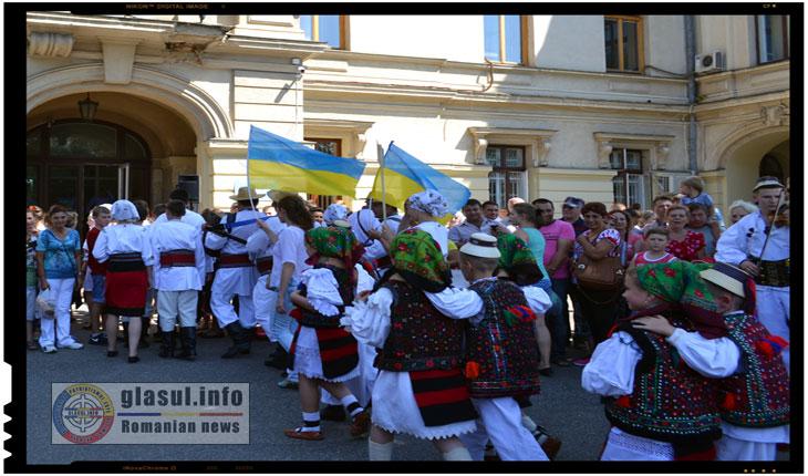 Festivalul International de Folclor Catalina 2015 de la IASI - Romani din Ucraina, Foto: Fandel Mihai